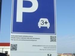 Señal tráfico parking con QR