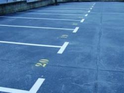 Delimitación parcelas aparcamiento