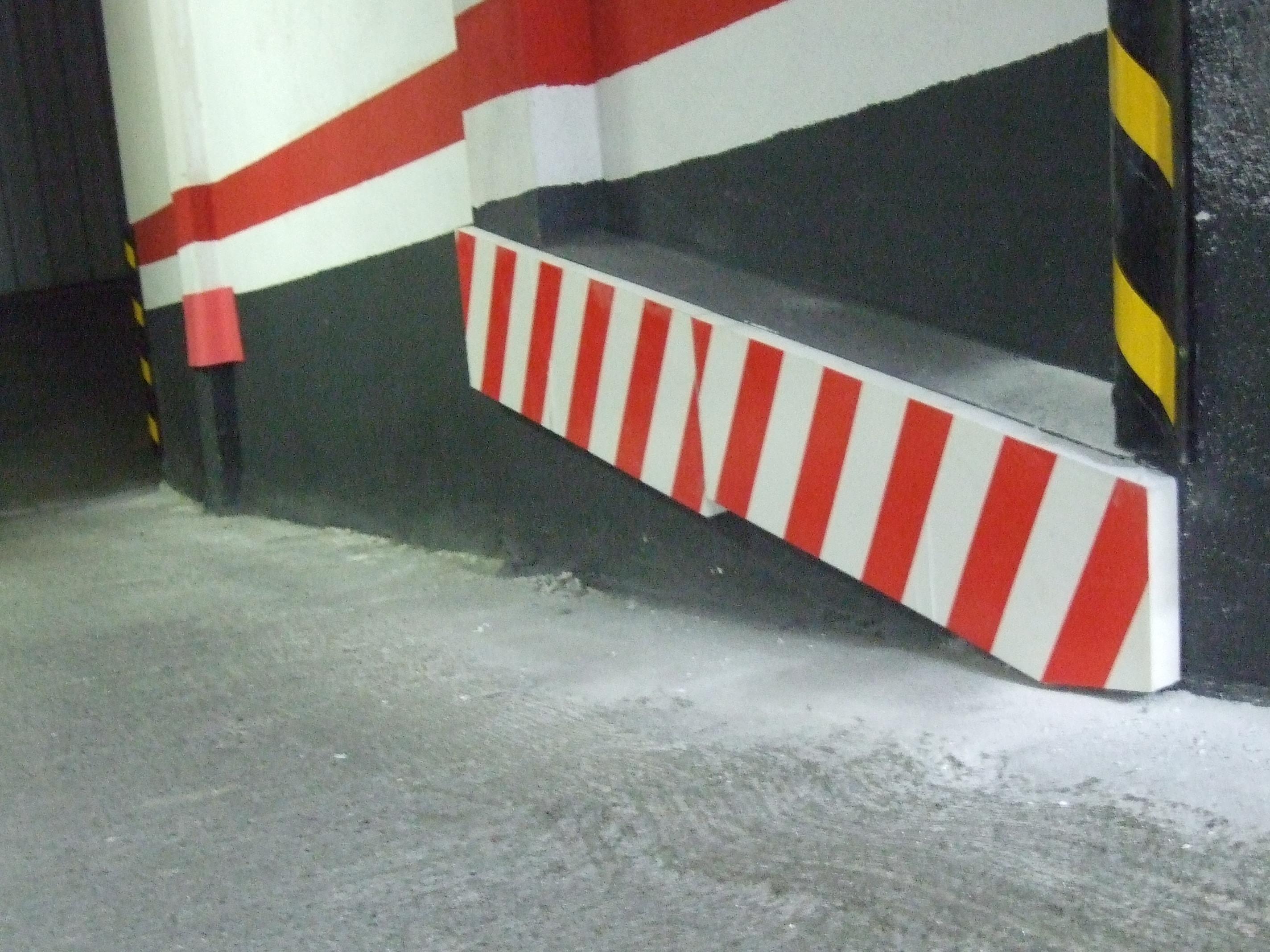 Protección esquinas y columnas garaje Bizkaia