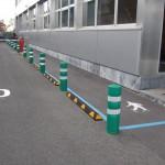 Señalización y protección de pasillo peatonal.